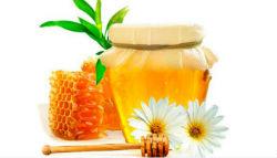 Укрепляющая маска из ромашки с мёдом