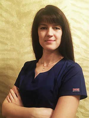 Глуханова Юлия Эдуардовна - массажист в Новогиреево девушка женщина массажистка